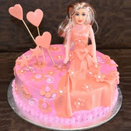 Barbie Queen Cake