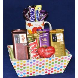 Endless_Love_Chocolate_Basket
