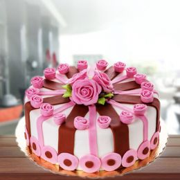 Luscious_Gumpaste_cake
