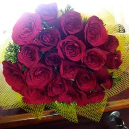 Charming_Red Roses_Bunch